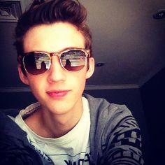 Troye Sivan<3 love you:)