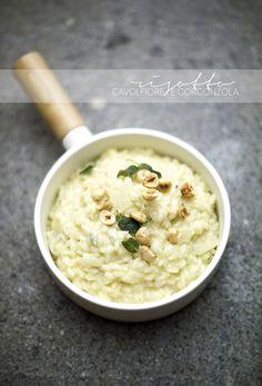cauliflower and gorgonzola risotto with toasted hazelnuts and crispy sage www.pane-burro.blogspot.it