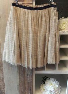 Kaufe meinen Artikel bei #Kleiderkreisel http://www.kleiderkreisel.de/damenmode/knielange-rocke/146314854-unikat-herrlicher-damen-rock-midi-tull-sand-beige-italien