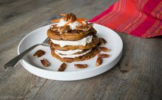 Carrot cake pancakes- Make these for breakfast this Easter. These lovely spiced pancakes are simple to make & delicious served with Spiced Cream Cheese. Gf Recipes, Sweet Recipes, Whole Food Recipes, Weekly Recipes, Fodmap Recipes, Healthy Recipes, Healthy Treats, Sweet Breakfast, Breakfast For Kids