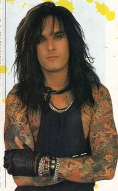 Nikki Sixx-what can i say.i still have a thing for rocker boys. Hair Metal Bands, 80s Hair Bands, 90s Hair, Jon Bon Jovi, Blade Runner, Ford Mustang, Autos Ford, Beautiful Men, Beautiful People