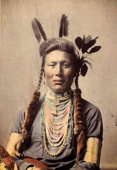 Indian Pictures: Faces of the Crow Indian Tribe