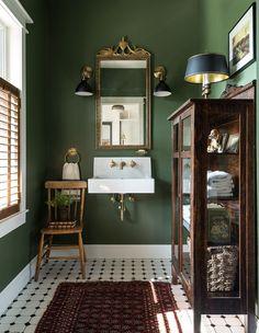 Bad Inspiration, Bathroom Inspiration, Dark Furniture, Vintage Furniture, Vintage Decor, Bathroom Furniture, Rustic Furniture, Painted Furniture, Furniture Ideas