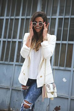 Natalia Cabezas is wearing Tommy Hilfiger accessories