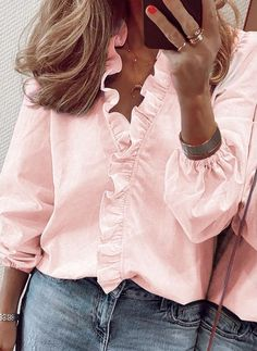 Cute Blouses, Blouses For Women, Casual Outfits, Cute Outfits, Fashion Outfits, Women's Fashion, Sorority Recruitment Outfits, Latest Fashion Trends, Ideias Fashion