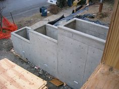 concrete planter boxes/retaining wall idea