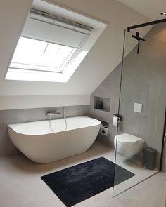 Bathroom Inspiration, Concrete, Bathtub, Bathroom Grey, Instagram, Bath Room, Standing Bath, Bathtubs, Bath