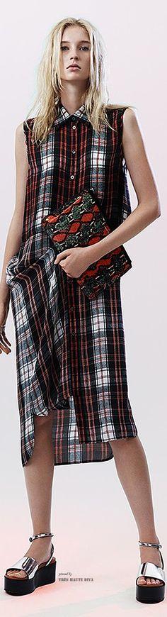 McQ Alexander McQueen Spring 2015 Ready-to-Wear Fashion Show Spring Fashion, Fashion Show, Fashion Design, Tartan Fashion, Mcq Alexander Mcqueen, Alexander Macqueen, Spring Summer 2015, Fall 2015, Cute Dresses