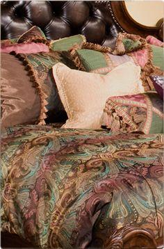 queen anne distinctive bedding design michael amini