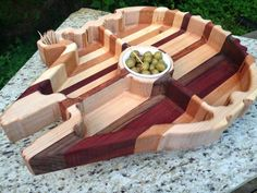 Feed your hunger for Star Wars and snacks at the same time with the Millennium Falcon Snack Tray. If the hunger is strong with you and you need a good snack by Woodworking Furniture, Woodworking Projects, Cnc Woodworking, Woodworking Quotes, Intarsia Woodworking, Woodworking Classes, Star Wars Kitchen, Star Wars Room, Awesome Woodworking Ideas