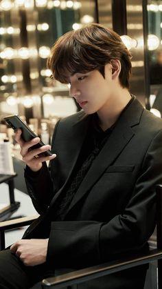 Bts Taehyung, Namjoon, Taehyung Photoshoot, Bts Jungkook, Foto Bts, Beatles, Bangtan Twitter, V Bts Cute, Bts Korea