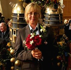 The Vicar of Dibley's wedding was Doctor Who themed. This is the Maid of Honor, Alice, as 10 and Daleks behind her. British Tv Comedies, British Comedy, British History, Welsh, Bbc, Wedding Tumblr, Vicar Of Dibley, Dawn French, Uk Tv Shows