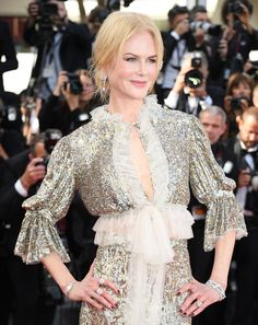 Nicole Kidman en bijoux Harry Winston à la montée des marches du film How To Talk To Girls At Parties
