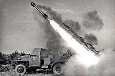 Запуск с установки БМ-13 на шасси Studebaker