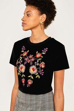 Pins & Needles Velvet Floral Embroidered T-Shirt | Urban Outfitters | Women's | Tops | T-Shirts #urbanoutfitterseu #uoeurope #uowomens