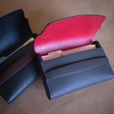 Pouch with firm gussets
