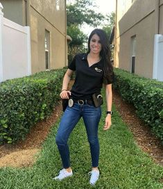 Female Police Officers, Women Police, Police Life, Fit Girl Motivation, Hottest Models, Blue Jeans, Nia Peeples, Mom Jeans, Actresses