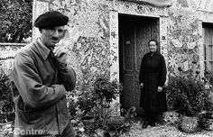 Raymond Isidore and his wife. La Maison Picassiette - Chartres. The house was built by Raymond Isidore (Chartres, September 8, 1900 - September 7, 1964), nicknamed Picassiette.