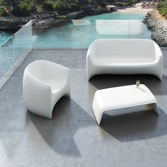 The Modern Blow Lounge Patio Chair features a gorgeous organic shape. Shop now at http://www.urbilis.com/blow-lounge-chair/