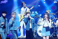Jeonghan & BamBam with Jungkook & Yugyeom Yugyeom, Got7, Jeonghan, Ulzzang Girl, K Idols, Seventeen, Kpop, Concert, Artist