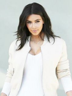 Kim Kardashian has a new look that we want to steal
