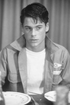 "((Rob Lowe and Colton Haynes)) ""hi im Soda Pop Curtis. I love life and racing and horses and dancing. I love my brothers and im the middle kid"" i smile widely The Outsiders Sodapop, The Outsiders 1983, Cute Celebrity Guys, Cute Celebrities, Celebs, Brat Pack, Ralph Macchio, Bae, Rob Lowe"