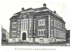 """Oletko koskaan Kallion kirjastossa käydessäsi ajatellut vierailevasi Sörnäisten kansankirjastossa? Helsingin Kaiku -lehden numero 48 vuodelta 1913 kertoo vasta valmistuneesta kirjastosta. Tämä """"yksinkertainen, mutta miellyttävännäköinen kivikartano"""" kohosi aukealle paikalle Porthaninkadun, Viidennen linjan ja Flemminginkadun risteykseen """"tyydyttämään Sörnäisten etukaupungin sivistystarvetta""""."""