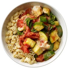 Cheesy Veggie Pasta 1/2 cup whole-wheat macaroni 1 cup crushed whole, peeled canned tomatoes 1/2 cup low-fat ricotta cheese 3/4 cup chopped spinach 1 cup zucchini wedges 2 tsp olive oil