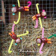 Making chestnut climbing monkeys // chestnut time - Fall Crafts For Kids