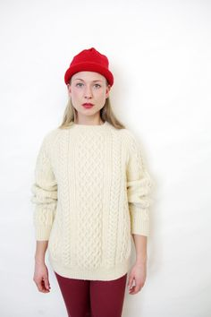 s i z e  not marked. estimated size is mens large, womens large to extra large but please double check measurements.  m a t e r i a l  pure new wool.  b r