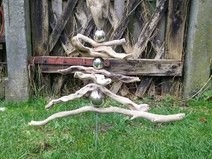Gartenstecker aus Bodensee-Treibholz