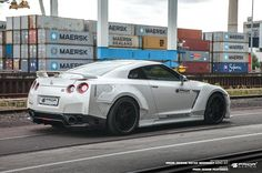 Nissan GT-R (R35) http://go.jeremy974.mediaunlike.16.1tpe.net