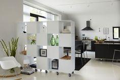 ABC Reoler: Quadrant | Roomdivider op wieltjes. Kleur: helder wit #kast #roomdivider #design #abcreoler