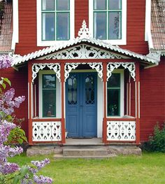 Swedish summer cottage with wonderful gingerbread details called SNICKARGLÄDJE in Swedish Swedish Cottage, Cute Cottage, Red Cottage, Swedish House, Cottage Homes, Victorian Cottage, Swedish Style, Swedish Design, Red Houses