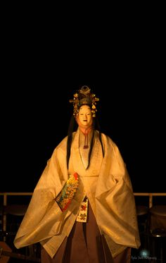 EnoFes 能2 Japanese Mask, Japanese Costume, Noh Theatre, Theater, Traditional Art, Traditional Outfits, Japanese Folklore, Art Japonais, Asian History