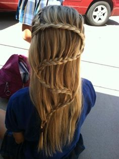 A new take on the BoHo 'waterfall' braid concept