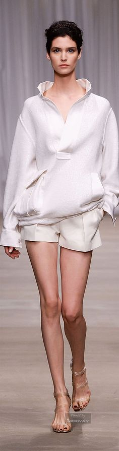Ermanno Scervino Spring 2015 Ready-to-Wear Fashion Show Collection How To Have Style, My Style, Spring Summer 2015, Spring Summer Fashion, Vetements Clothing, Winter Typ, Fashion Show, Fashion Design, Fashion Trends
