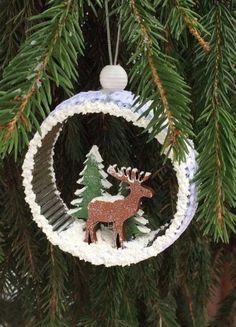 Отличное украшение для ёлки - игрушка На лесной опушке из бобины от скотча
