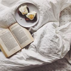 """inthequietinthecrowds:  """" Sunday mornings #vscocam  """""""