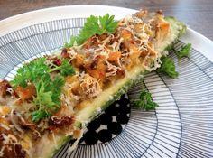 Täytetty kesäkurpitsa | Stuffed Zucchinis. Recipe in English: http://www.gurmee.net/en/2013/07/26/taytetyt-kesakurpitsat/