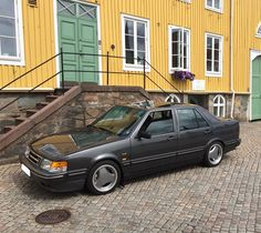 Took a trip to the old town, pretending it was the year 1990 all over again. Enjoy some photos all of you out there 🙂 Hope you had a nice… Saab 9000 Aero, Saab Automobile, Motor Car, Old Town, Volvo, Old Things, Take That, Cat, Photos