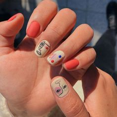 Check out these simple, cute and stylish summer nail designs! Summer is now right here, full of enthusiasm and vitality. W Check out these simple, cute and stylish summer nail designs! Summer is now right here, full of enthusiasm and vitality. Nail Design Stiletto, Nail Design Glitter, Nails Design, Salon Design, Minimalist Nails, Nail Polish Designs, Cute Nail Designs, Cute Nails, Pretty Nails