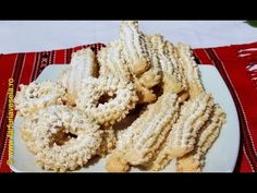 The preparation of this Homemade traditional Romanian cookies was full of memories about my grandma who use to always bake us this delicious biscuits. Romanian Desserts, Choux Pastry, Portuguese Recipes, English Food, Easy Desserts, Biscotti, Tapas, Food And Drink, Sweets