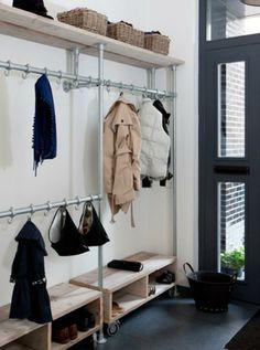 meuble vestiaire en bois et fer, design industriel