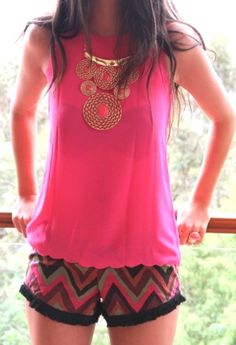 Pink top, patterned shorts, statement necklace http://www.studentrate.com/fashion/fashion.aspx
