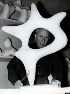 Jean Arp or Hans Arp, in Strasbourg in Plaster Sculpture, Sculptures Céramiques, Stone Sculpture, Sculpture Art, Pottery Sculpture, Jean Arp, Van Gogh Art, 3d Studio, Famous Artists