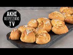 Τυρόψωμο από τον Άκη Πετρετζίκη. Φτιάξτε το πιο εύκολο σπιτικό τυρόψωμο με χειροποίητη ζύμη και γεμιστό με φέτα! Το τέλειο σνακ για κάθε μέρα! Hamburger, Bread, Breakfast Ideas, Youtube, Food, Brot, Morning Tea Ideas, Essen, Baking