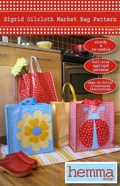 Make a sturdy and re-usable shopping bag with the Sigrid Oilcloth Market Bag Pattern. The pattern includes full-size applique patterns for a Bag Patterns To Sew, Applique Patterns, Sewing Patterns, Sewing Crafts, Sewing Projects, Craft Projects, Laminated Fabric, Fabric Bags, Quilted Bag