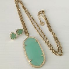 """Kendra Scott Rae Necklace Kendra Scott Rae pendant necklace in mint green. Really great condition, no trades. 14K Gold Plated Over Brass Size: 1.89""""L X 1""""W pendant on 30"""" chain with extender Lobster claw closure Kendra Scott Jewelry"""