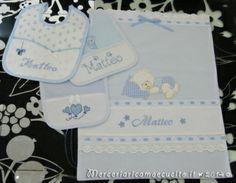 Sacchetto-nascita-elegante-e-bavette-per-Matteo